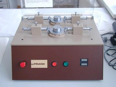 přístroj podle Schoppera