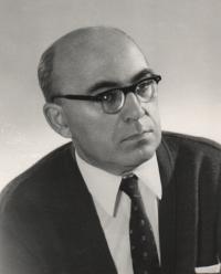 Dr. Josef Strnadel – ředitel Slovanské knihovny v letech 1956-1978